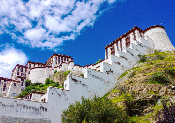 6 Days Lhasa and Ganden Monastery Bike Tour