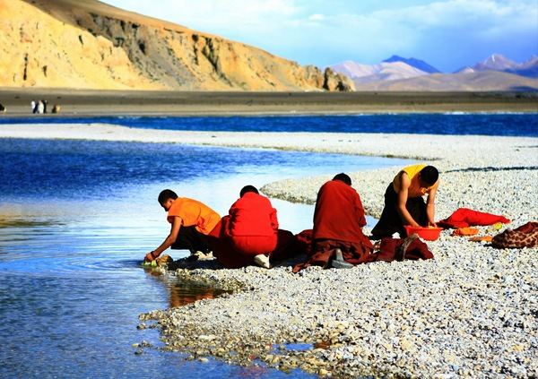 10 Days Classic Trip from Lhasa to EBC with Namtso